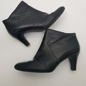 Clarks Booties 8.5 black leather heels studded